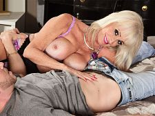 Leah's first clip copulate is with a young stud